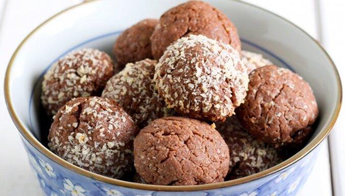 Чем радуют своих детей шведы: шоколадные шарики с кокосовой стружкой