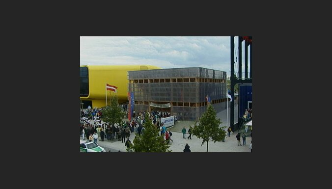 Latvijas paviljons Expo 2000