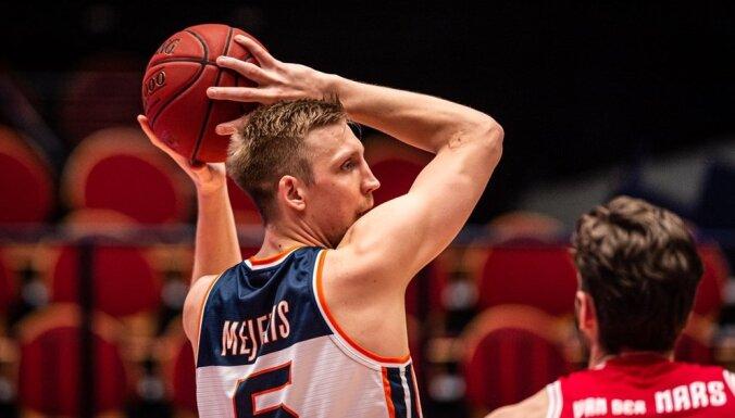 Mejerim seši punkti un uzvara FIBA Eiropas kausa spēlē