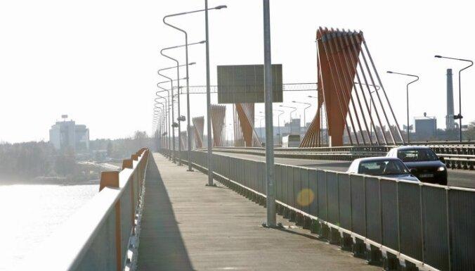 На Южном мосту за полтора часа— 25 аварий