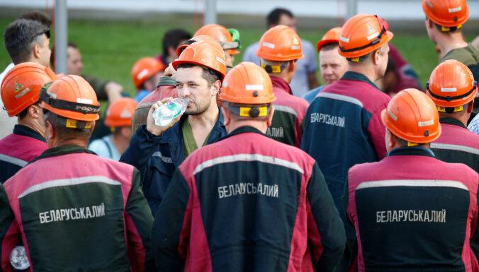 """Как шахтеры """"Беларуськалия"""" добились освобождения лидера их стачкома"""