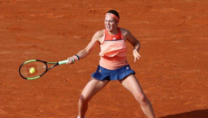 Ostapenko pēc neveiksmīgā 'French Open' pasaules rangā zaudē vietu TOP 10
