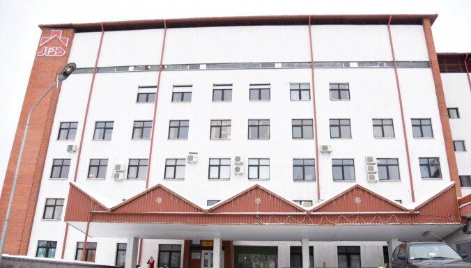 Covid-19 saslimstības pieauguma dēļ Jelgavas slimnīcā slēgs Bērnu nodaļu