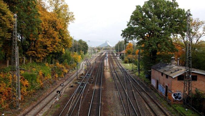 Biedrība publisko sarakstu ar vēstures pieminekļiem, kurus Torņkalnā nojaukšot 'Rail Baltica'