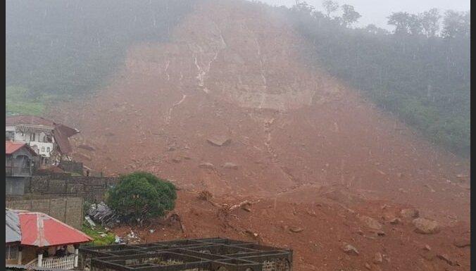 Zemes nogruvums Sjerraleonē apracis simtiem cilvēku