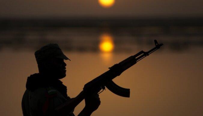 Kaujās Mali ziemeļos nogalināts viens franču karavīrs un 50 nemiernieku kaujinieki