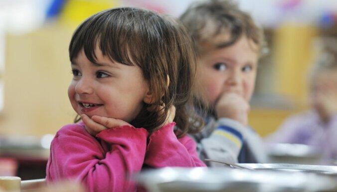 К переходу на латышский язык обучения готовы не все детские сады Латвии