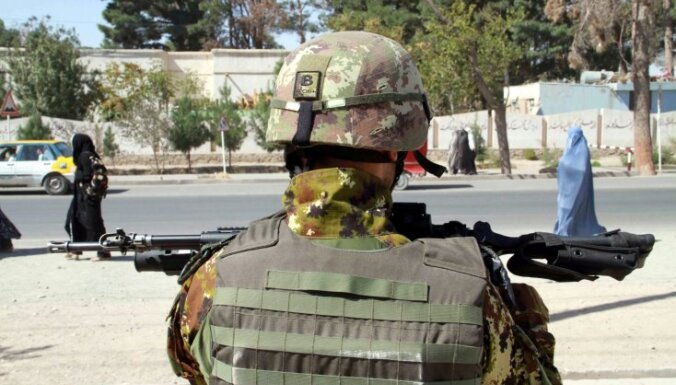 НАТО отозвало своих советников из афганских министерств