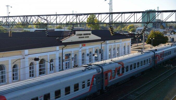 Россия запустила первые пассажирские поезда в обход Украины