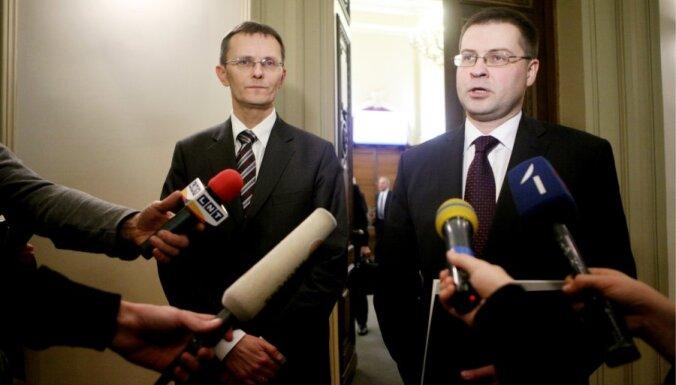 Домбровскис: ВВП будет на прошлогоднем уровне
