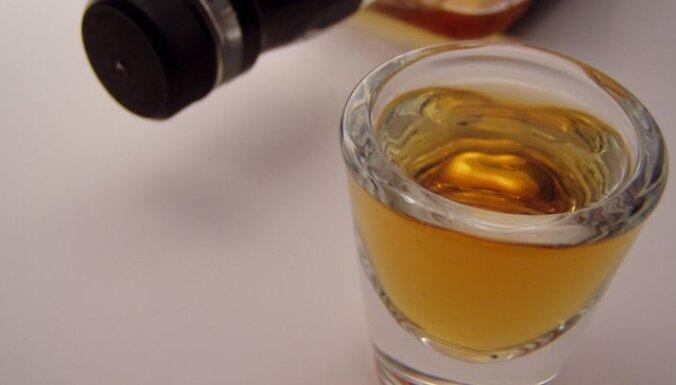 На улице найдена отравившаяся алкоголем школьница