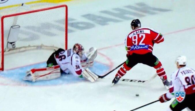Video: Sedlāčeka darbošanās vārtos iekļauta KHL Gagarina kausa pirmās kārtas labāko 'seivu' topā