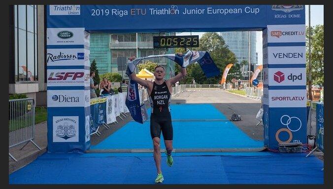 Rīgas triatlonā uzvar Jaunzēlandes un Itālijas sportisti