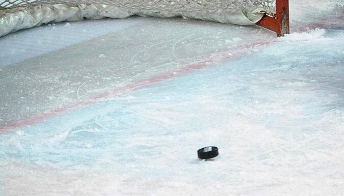 Čehijas un Krievijas hokeja izlasēm uzvaras EHC turnīra spēlēs