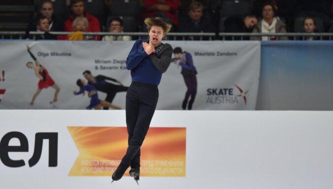 Daiļslidotājs Vasiļjevs EČ pēc īsās programmas ieņem piekto vietu