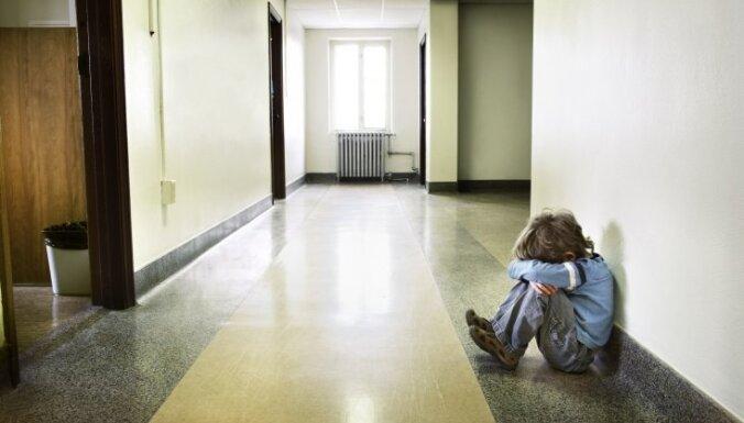 Aicina uz bezmaksas lekciju 'Kad bērnam ir grūti augt…'