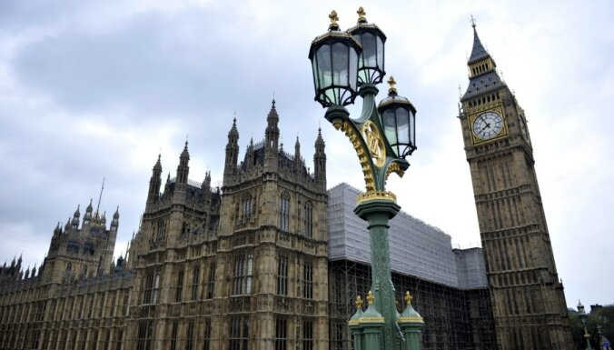 Lielbritānijas parlamentā konceptuāls atbalsts viendzimuma laulību legalizācijai