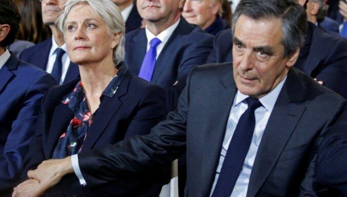 Francijas ekspremjeram Fijonam piecu gadu cietumsods par sievas iekārtošanu fiktīvā darbā