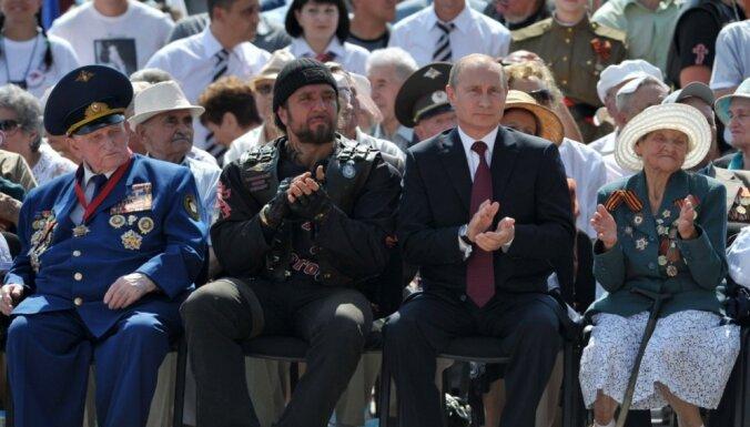 'Putina baikeri': Krievijas 'maigās varas' motoklubs 'Night Wolves'