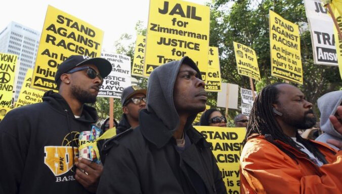Патрульного, убившего темнокожего подростка, вернули в тюрьму