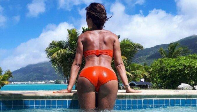 Бикини фото задницы, девушка реально кончает от секса