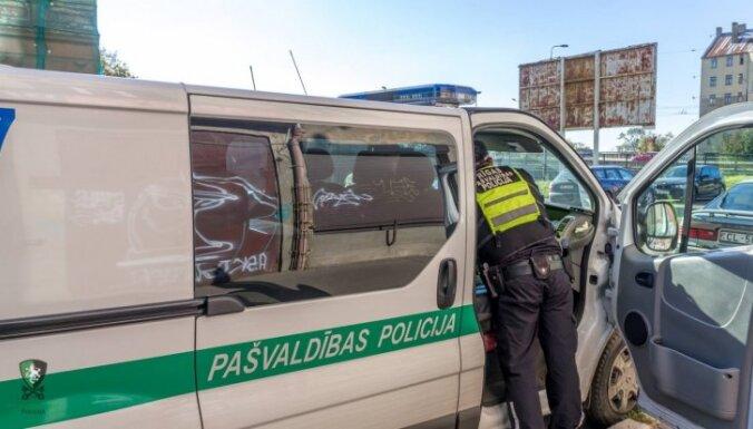 На выходные Полиция Рижского самоуправления удвоит число патрулей