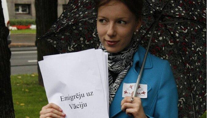Divas trešdaļas aizbraukušo tautiešu Latvijā nevēlas atgriezties, jo ir vīlušies valstī