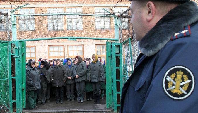 71% krievu atbalsta ieslodzīto izmantošanu valsts infrastruktūras būvniecībā