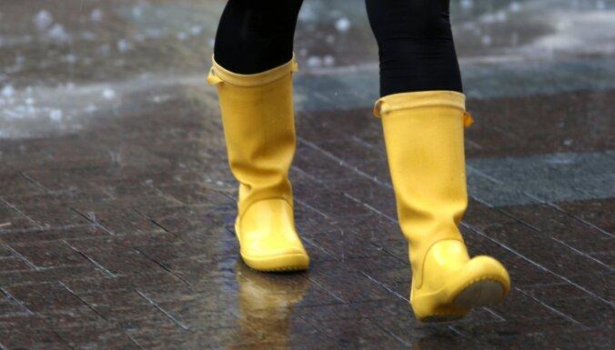 Синоптики: воскресенье будет дождливым, возможен град