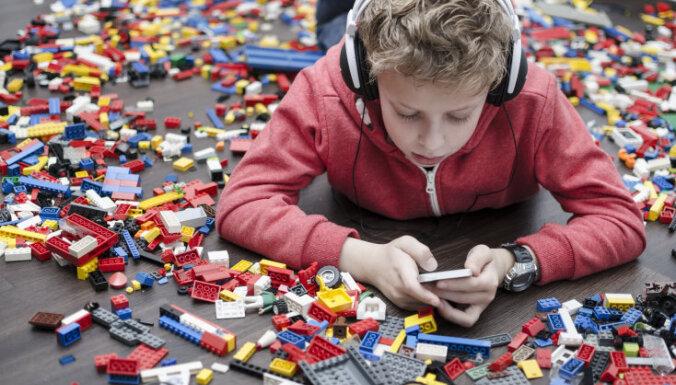 Исследование: латвийская молодежь стала более вежливой в интернете