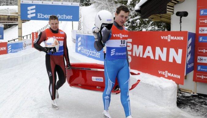 Latvijas kamaniņu braucēji ātrākie starptautiskajā treniņnometnē Sočos