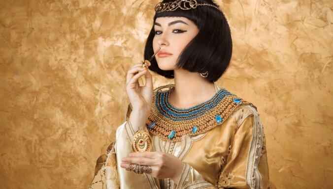Парфюм Клеопатры. Чем душились в Древнем Египте?