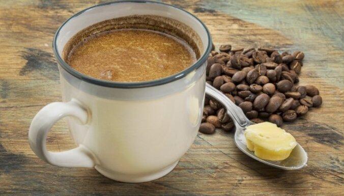 Pieci iemesli, kādēļ rīta kafijai jāpievieno sviests