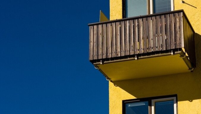 Жарить шашлык, разводить кур: что можно и нельзя делать на балконе