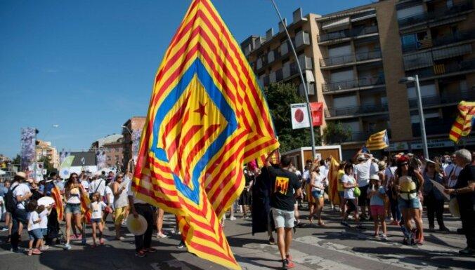 Наступил день референдума в Каталонии: полиция грозит пресечь, власти автономии бунтуют