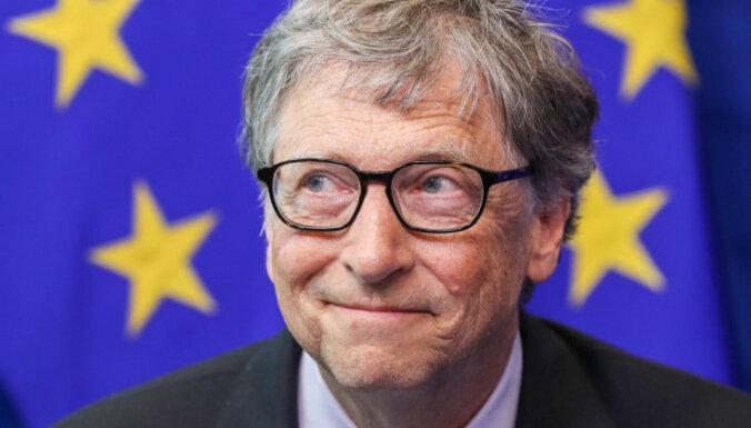 Bils Geitss kļuvis par Igaunijas e-rezidentu