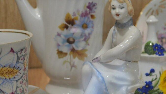 Jaunais Teo Ralfs Jēkabsons ar 1000 privāto porcelānu trauku kolekciju. Izstādīti pat muzejā!
