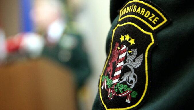 Robežsardzei kalašņikovus ar NATO atbilstošiem ieročiem plāno nomainīt pusotra gada laikā