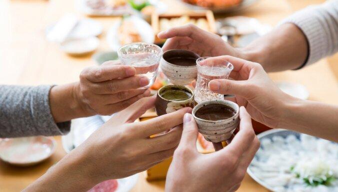 Kā pareizi ēst suši un citi galda etiķetes smalkumi Japānā