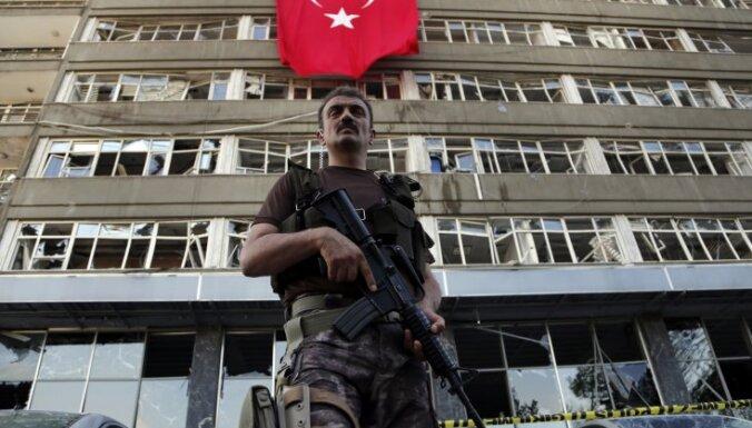 Из-за мятежа в Турции задержали или уволили 45 тысяч человек