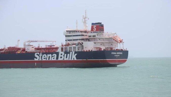 Иранские власти не позволили связаться с латвийским моряком на задержанном судне