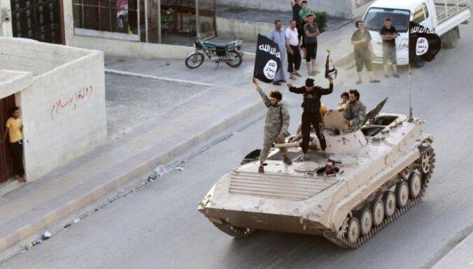 Eksperti: Pret 'Daesh' jācīnās ar militāriem līdzekļiem, bet ar to nepietiek