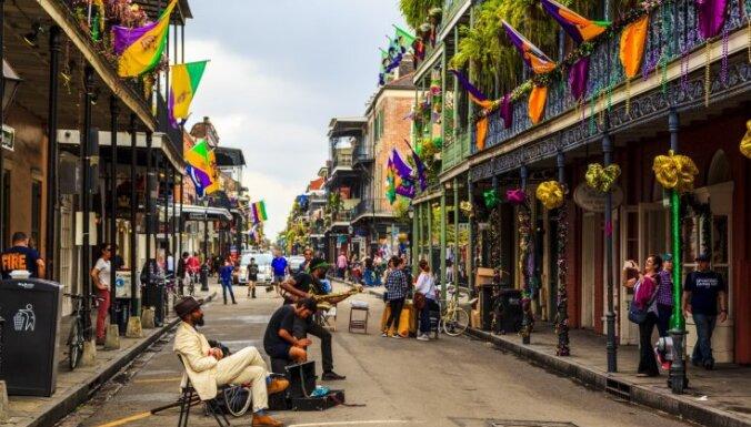 Amerikas ceļojuma piezīmes: Ņūorleānas šarms ar džezu un aligatoriem gan purvā, gan burgerā