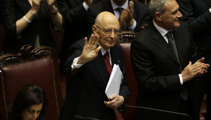 Zvērestu nodevis Itālijas prezidenta amatā pārvēlētais Napolitāno