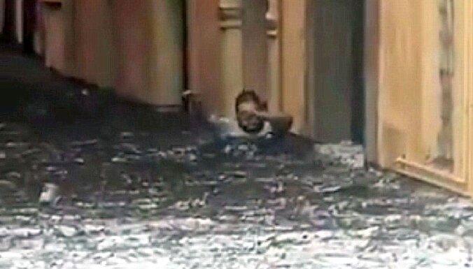 Video: Veronas apkārtni plosa krusas vētra