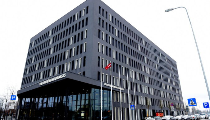 Заплати, но не спи спокойно. 60 тысяч жителей Латвии могут оказаться должниками по налогам
