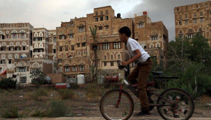 Saūda Arābijas vadītā koalīcija par mēnesi pagarina pamieru Jemenā