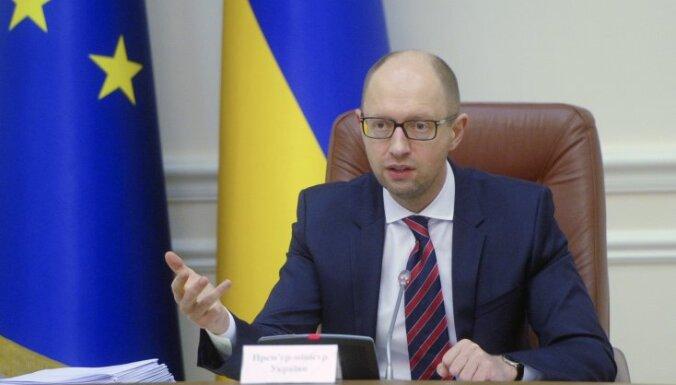 Бывший премьер Украины Яценюк: в аннексии Крыма виноват Янукович