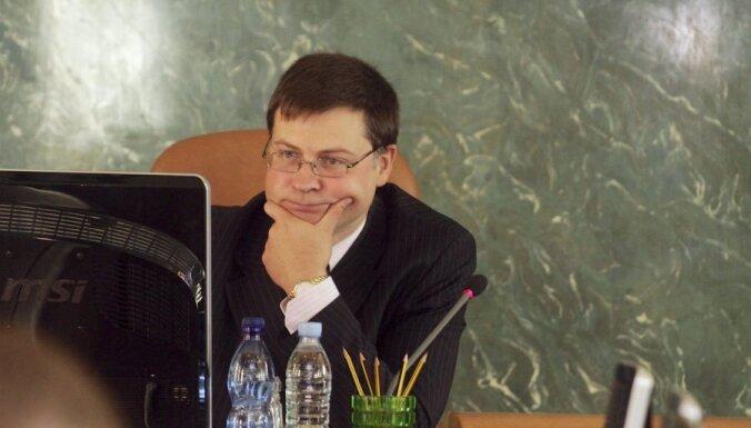 Домбровскис сожалеет, что Стрельченок обостряет конфликт в БПБК