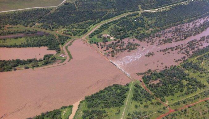 """В Австралии наводнение создало """"внутреннее море"""""""